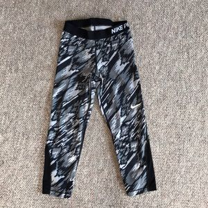 Nike pro dry fit cropped leggings